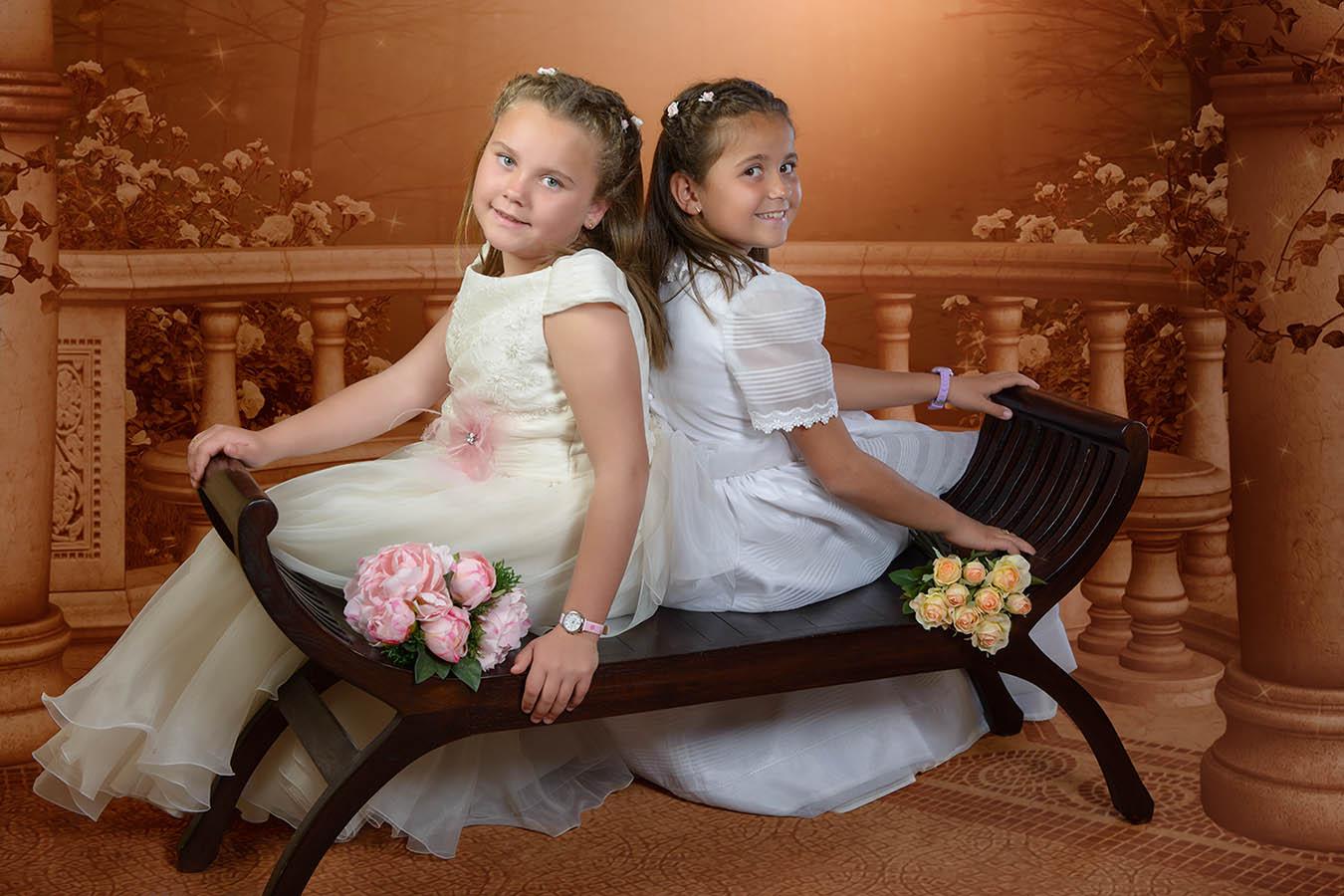 Coral y Leire, Primera comunión de gemelas.